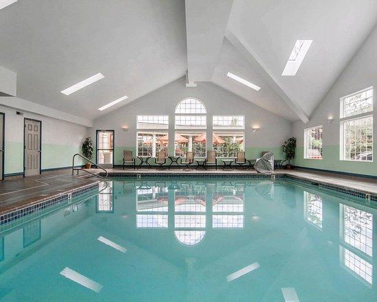 Comfort Suites of Corvallis: Pool Area
