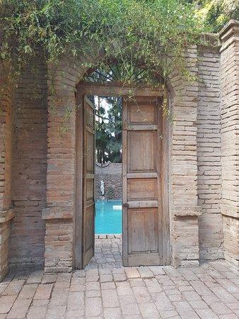 Alto Jahuel, Chile: Roman Bath in Garden