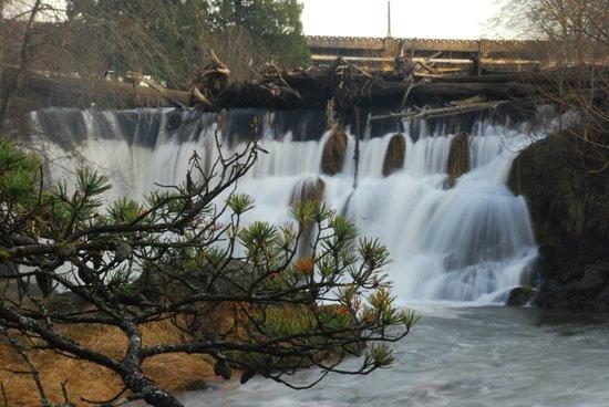 ทัมวอเตอร์, วอชิงตัน: Upper Falls