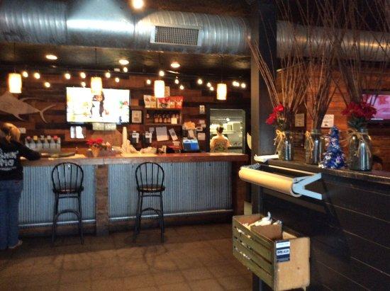 Farmville, فيرجينيا: View of the bar