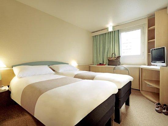Harfleur, France: Guest room