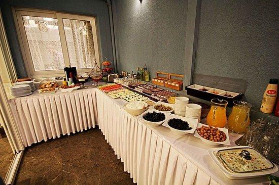 Aristocrat Hotel: Restaurant