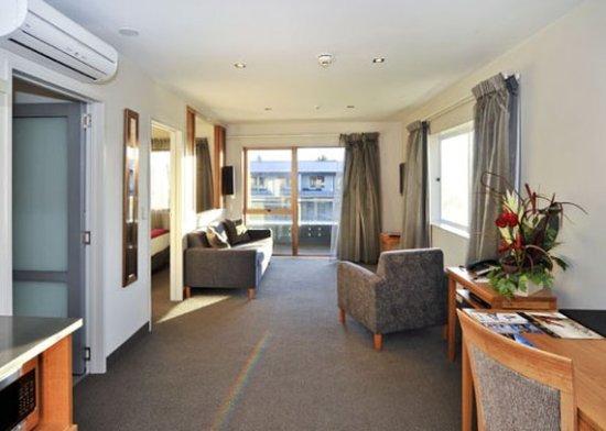 Wai Ora Lakeside Spa Resort: Suite