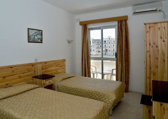 Canifor Hotel: Guest room