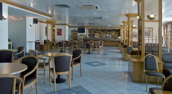 Canifor Hotel: Bar/Lounge