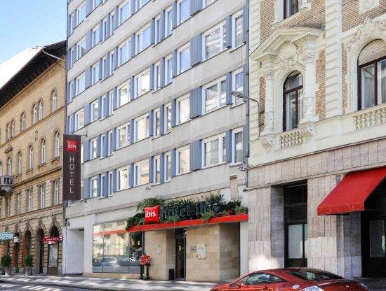 Ibis Budapest City: Exterior