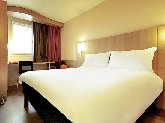 Ibis Sete Balaruc Les Bains : Guest room