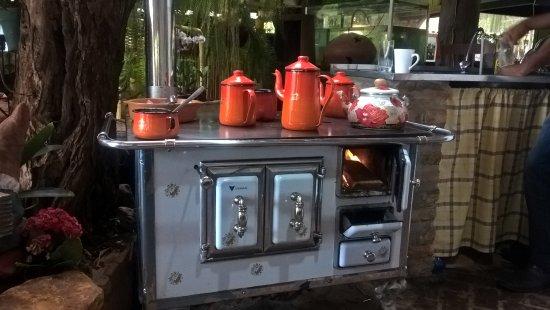 Barrinha, SP: Fogão a lenha no café da manhã