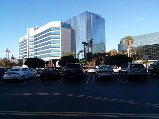 Bella Terra Mall Huntington Beach Restaurants