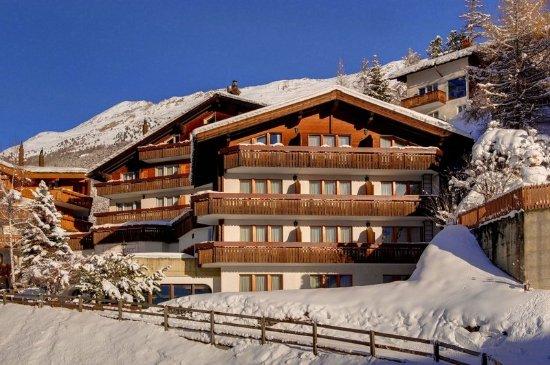 hotel alpenroyal prices reviews zermatt switzerland. Black Bedroom Furniture Sets. Home Design Ideas