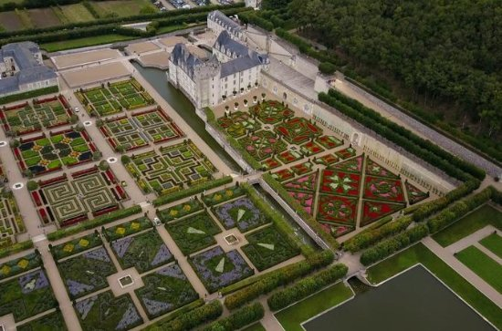 Small-Group Tour to Villandry, Vouvray & lunch at a private chateau...
