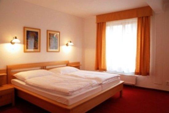 Hotel Grand Matej: Guest room