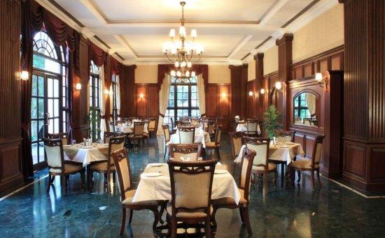 Hotels near M G Road, Bangalore - BEST HOTEL RATES Near ...