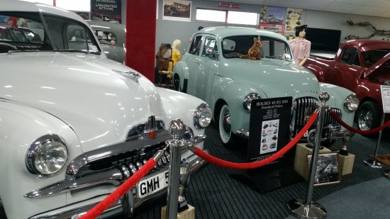 New Plymouth, Nueva Zelanda: Older Holdens on show