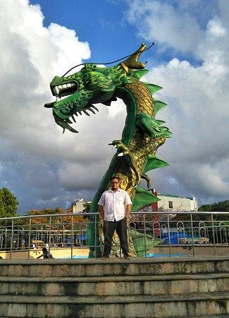 Patung Naga