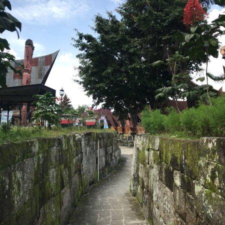 Enos Tour Medan