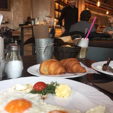 Rosi Good Things Restaurant