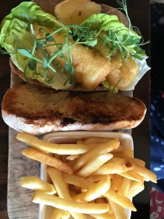 The Queens Head: fish finger sandwich