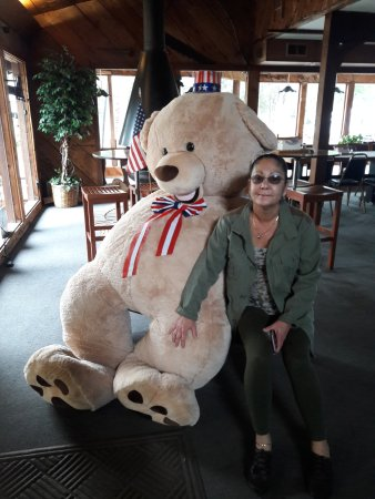 Ophir, OR: Wife with new friend inside Clubhouse