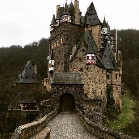 Moselkern, Germany: Eltz castle