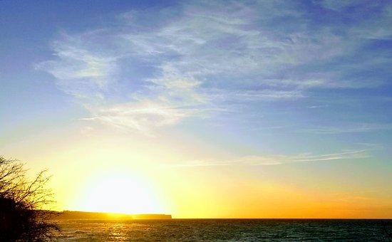 Clarion Hotel Wisby: Solnedgång på väg från färjeläget