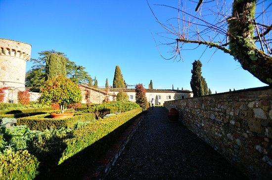 Castello di Meleto: il giardino