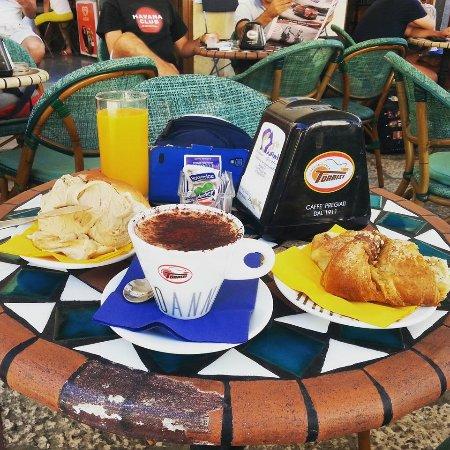 Caffe Mazzini: Colazione
