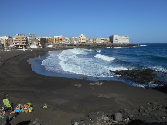 Playa de La Garita: People enjoying the beach
