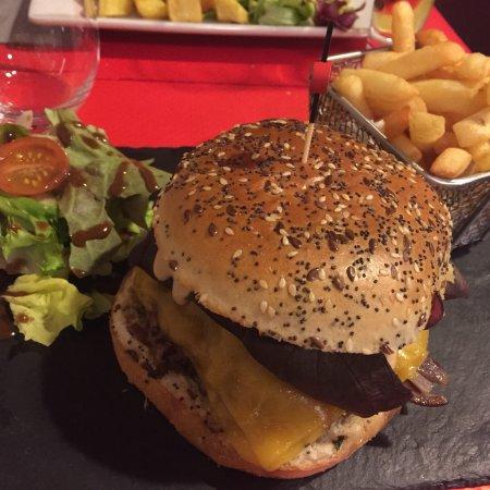 Гуйанкур, Франция: Excellents Souris d'agneau et hamburger de magret de canard