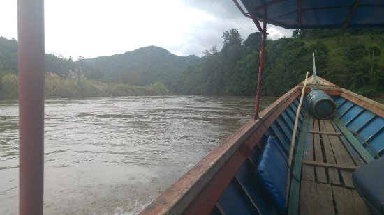 Maekok River Village Resort: River transfer to Chiang Rai
