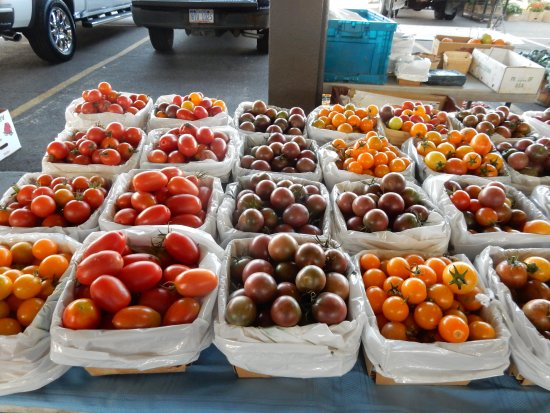 Eastern Market: Tomatoes