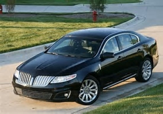 Roswell, GA: Lincoln MKS up t 3 people plus luggage