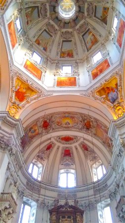 Salzburg Cathedral: Paintings and windows in the dome