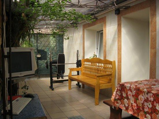 Studiya Guest House: Двор 06