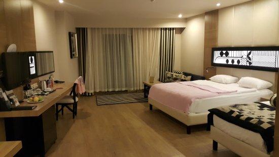 Delphin Imperial Hotel Lara: Deniz Manzaralı Oda