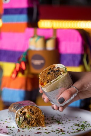 La Frontera: Burritos.