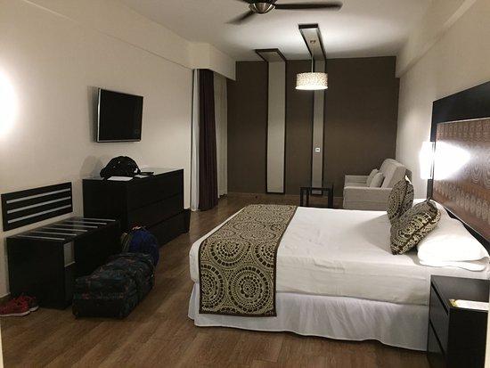 Hotel Riu Sri Lanka: Double Bedroom in the Family suite.