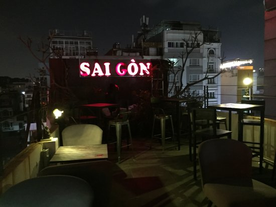 ‪‪The Place Saigon‬: the Place roof top bar‬
