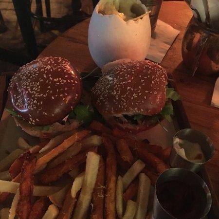 Double Standard Bar: Cocktail Week Specials in Tel Aviv