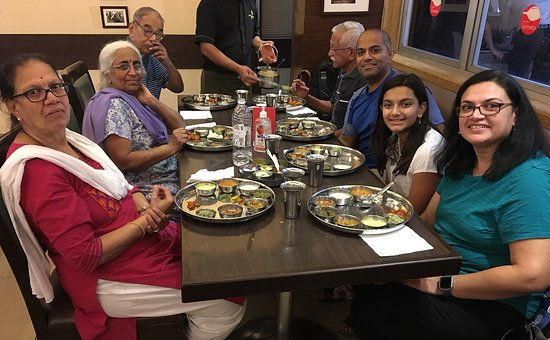 Chandralok Hotel: Deshpande's and Shringarpure's at Chandralok by Ketan Deshpande Maple Grove MN