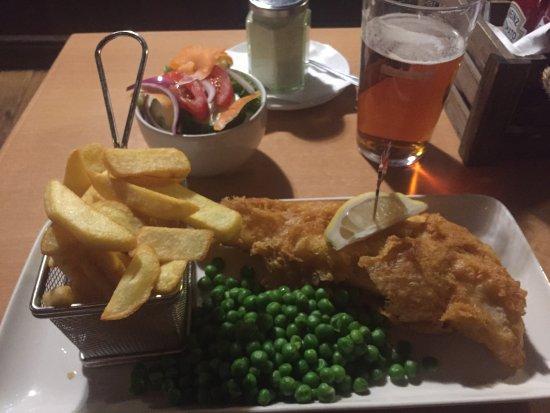 The White Horse: Fish&Chips con ensalada adicional