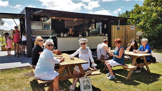 Coopers Beach, Yeni Zelanda: Picnic tables
