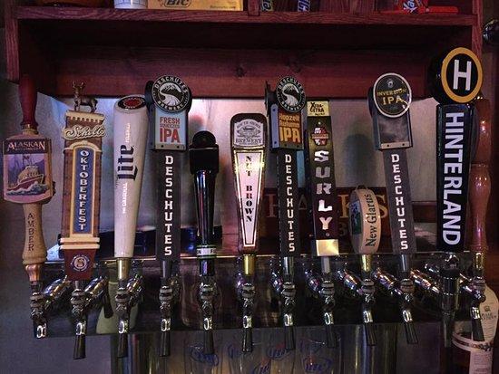 Milltown, ויסקונסין: Beer taps