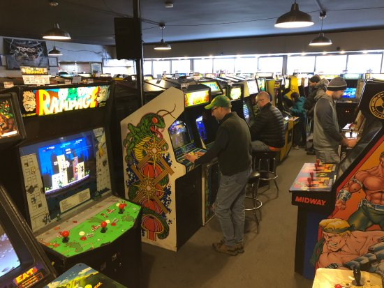 Brookfield, IL: One area of a fairly sprawling arcade