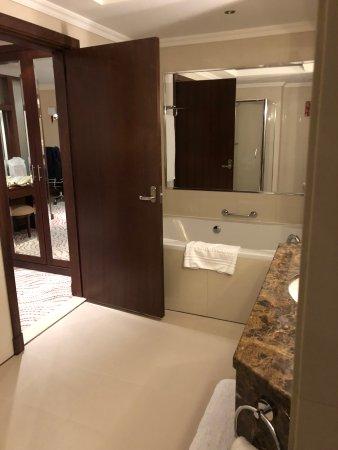 Park Regis Kris Kin Hotel Picture