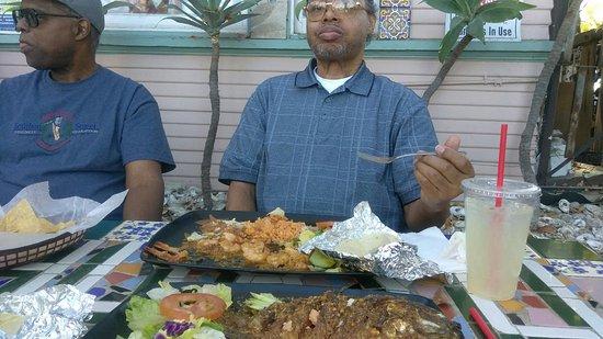 Tio's Tacos: The shrimp fajitas were tasty