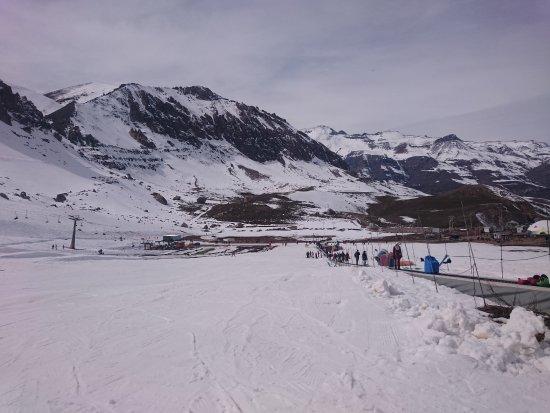 Farellones, Χιλή: Esteira para ir até a rampa de ski