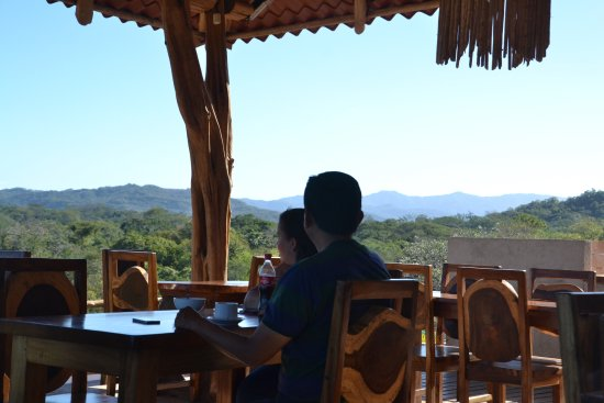Paraiso, Costa Rica: The views from the open air restaurant