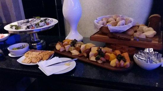 Coastlands Musgrave Hotel : 20180106_203910_large.jpg