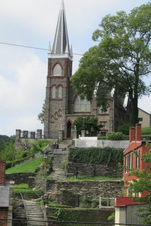 The Town's Inn: Harper's Ferry, WVA